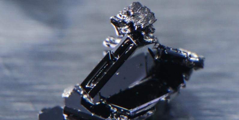 Courtesy of Jason Krizan Na3Bi crystals